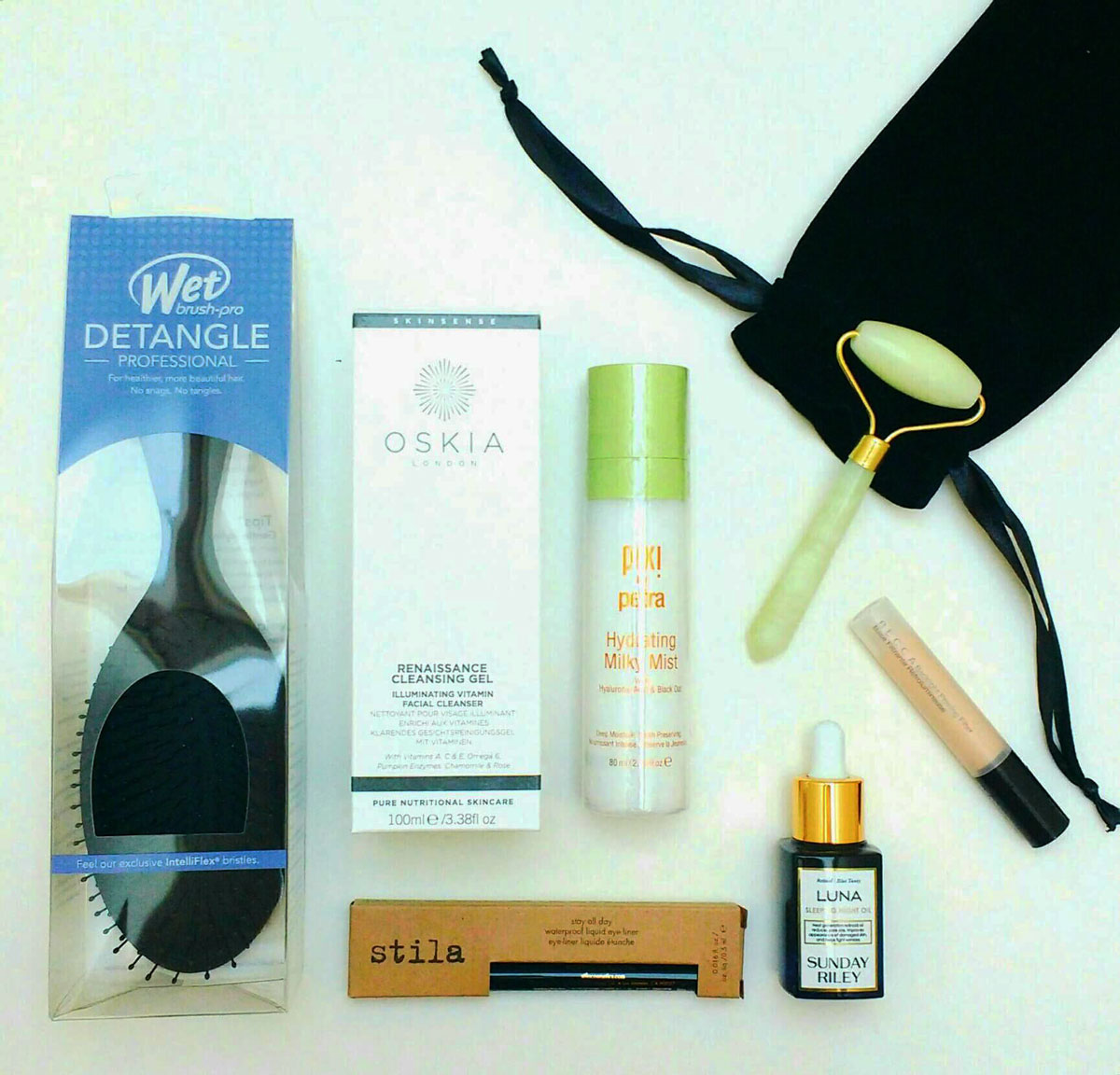anna and lily cult beauty box review